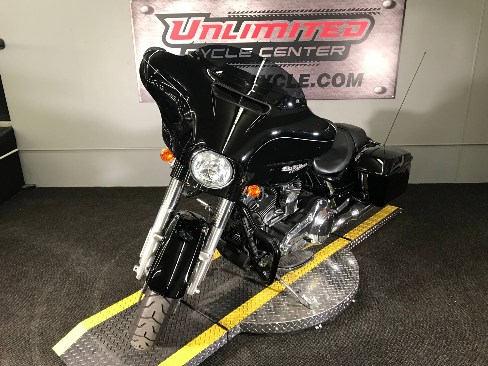 2016 Harley-Davidson Street Glide® Special in Tyrone, Pennsylvania - Photo 6