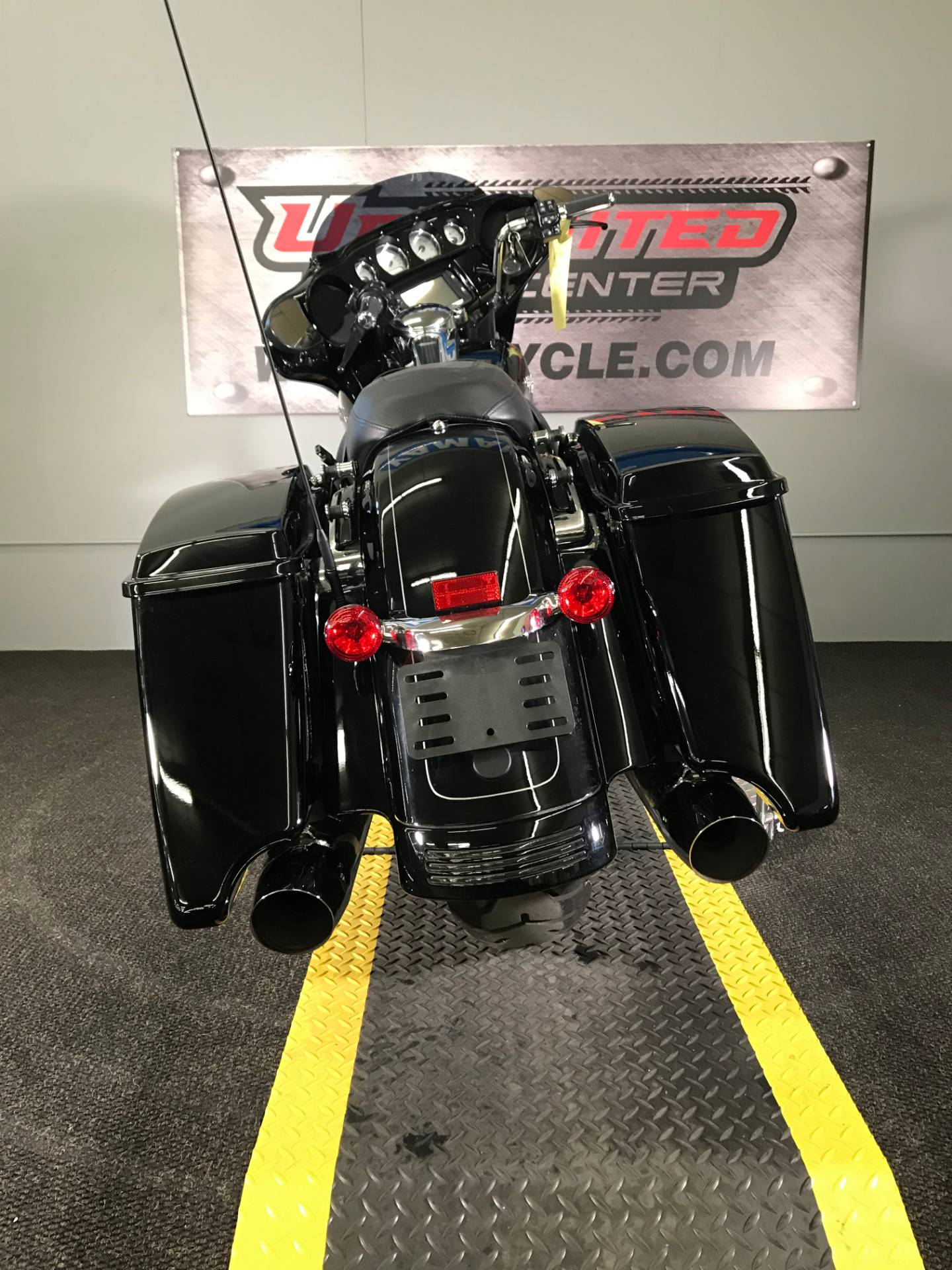 2016 Harley-Davidson Street Glide® Special in Tyrone, Pennsylvania - Photo 11