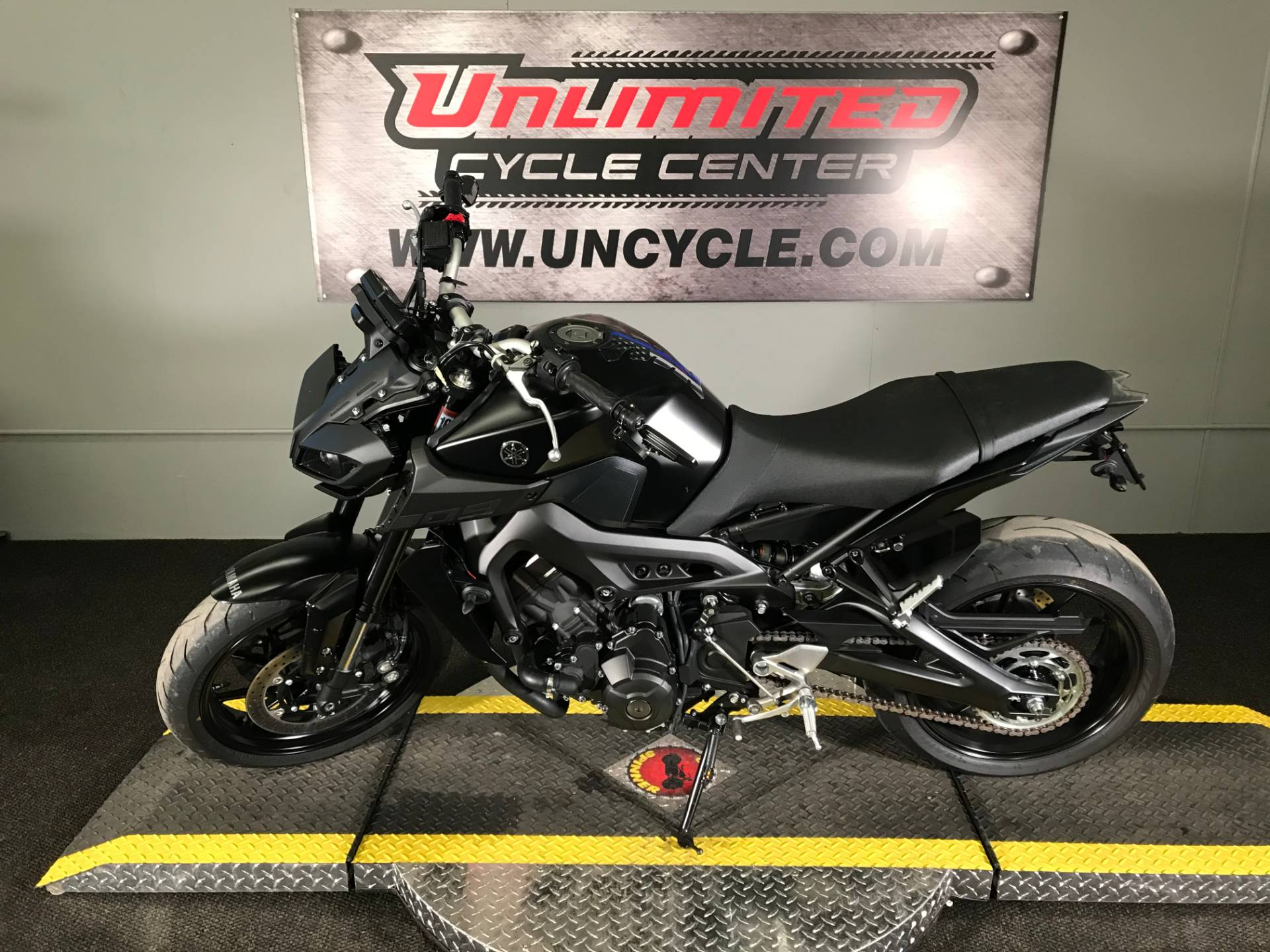 2019 Yamaha MT-09 in Tyrone, Pennsylvania - Photo 7