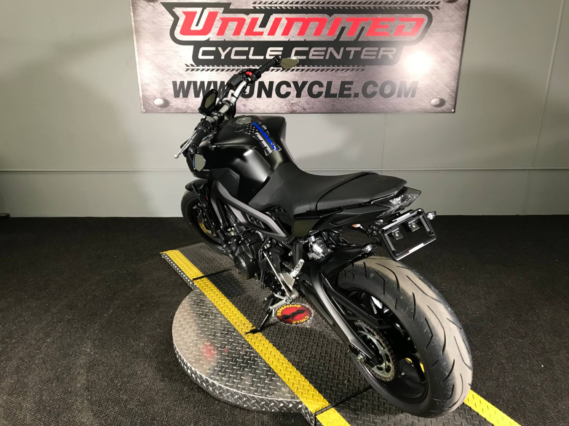 2019 Yamaha MT-09 in Tyrone, Pennsylvania - Photo 9