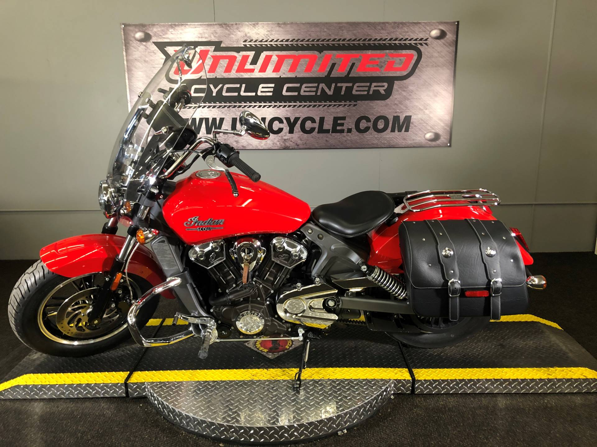 2016 Indian Scout™ in Tyrone, Pennsylvania - Photo 3