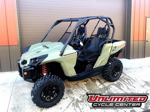 2019 Can-Am Commander DPS 800R in Tyrone, Pennsylvania - Photo 1
