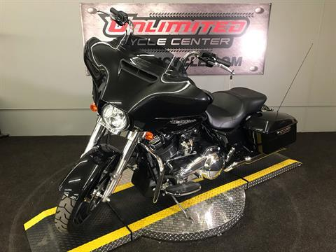 2018 Harley-Davidson Street Glide® in Tyrone, Pennsylvania - Photo 8