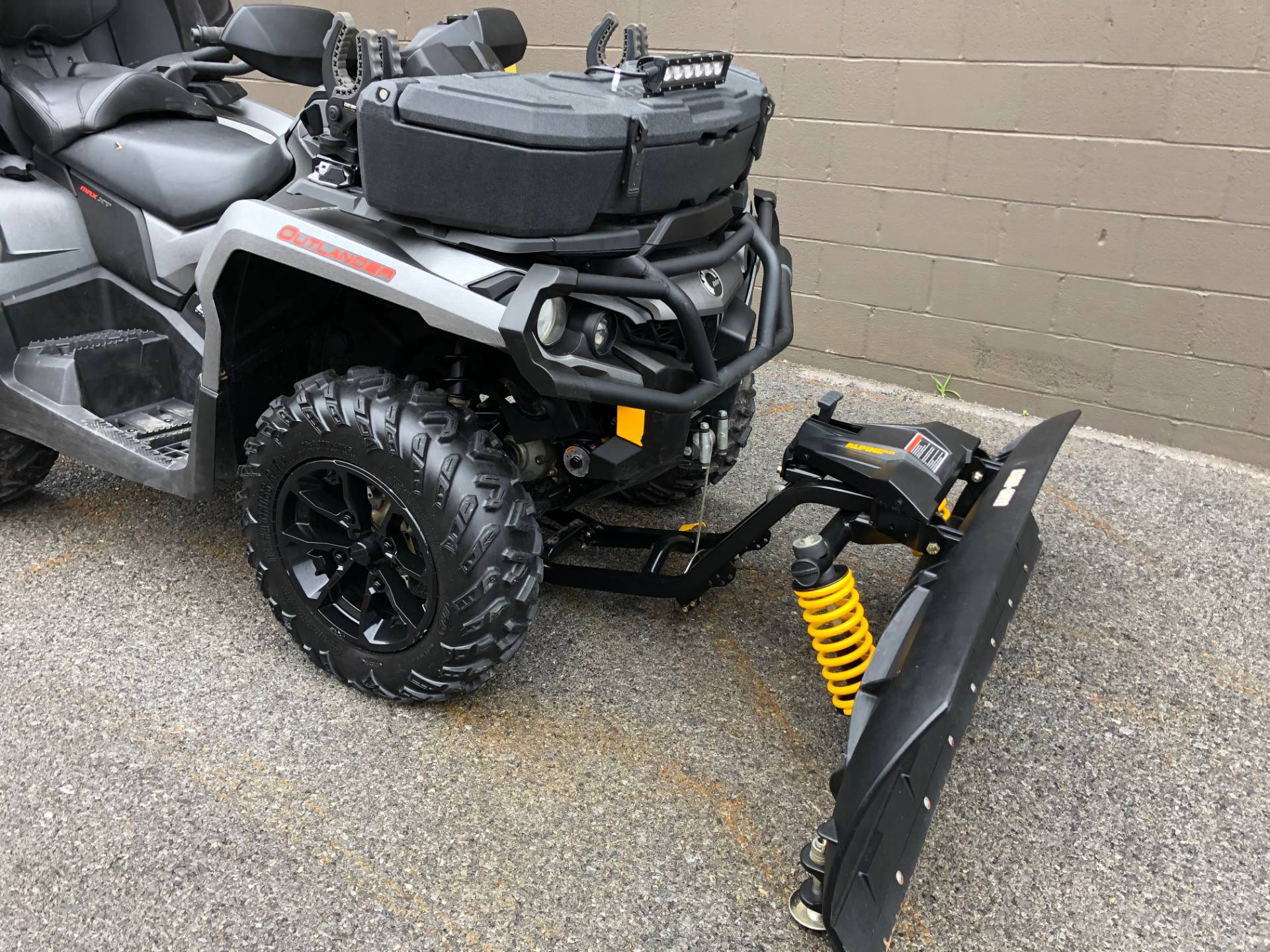 2017 Can-Am Outlander MAX XT 650 in Tyrone, Pennsylvania - Photo 2