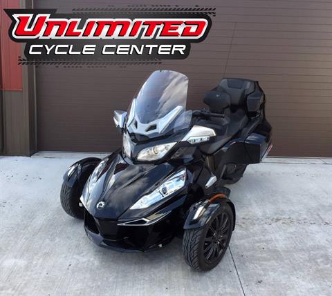2014 Can-Am Spyder® RT-S SE6 in Tyrone, Pennsylvania