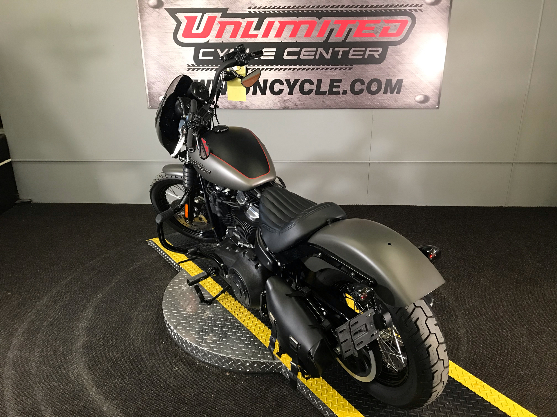 2018 Harley-Davidson Street Bob® 107 in Tyrone, Pennsylvania - Photo 10