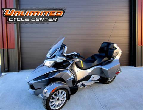 2013 Can-Am Spyder® RT SM5 in Tyrone, Pennsylvania
