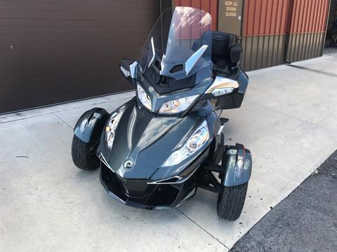 2019 Can-Am Spyder RT Limited in Tyrone, Pennsylvania - Photo 2