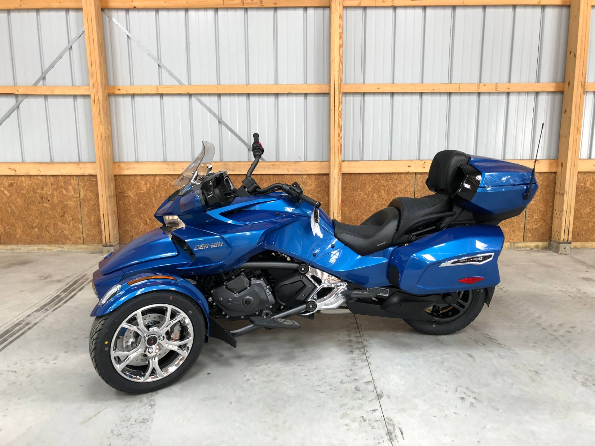 2019 Can-Am Spyder F3 Limited in Tyrone, Pennsylvania - Photo 3