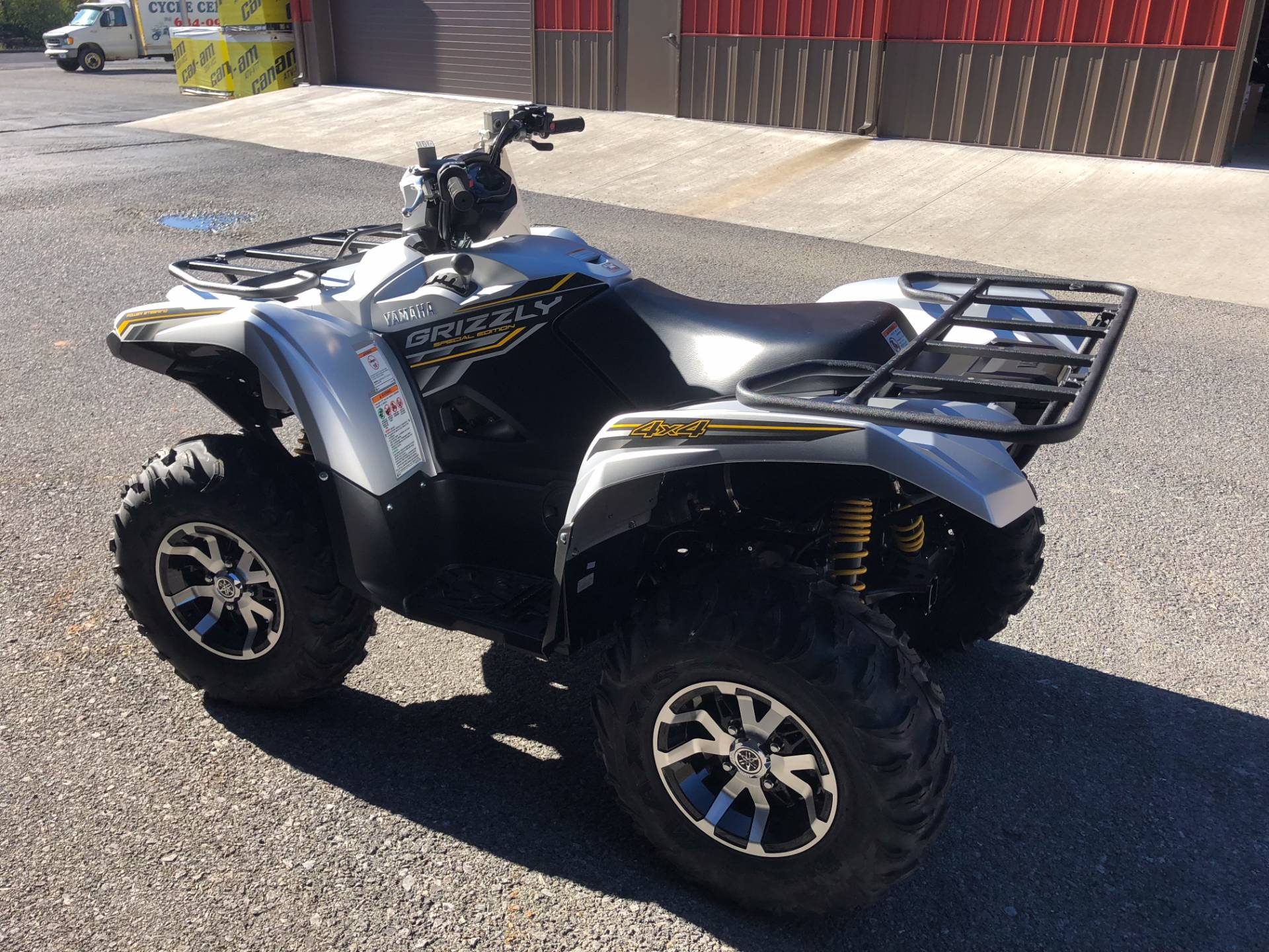 2017 Yamaha Grizzly EPS SE in Tyrone, Pennsylvania
