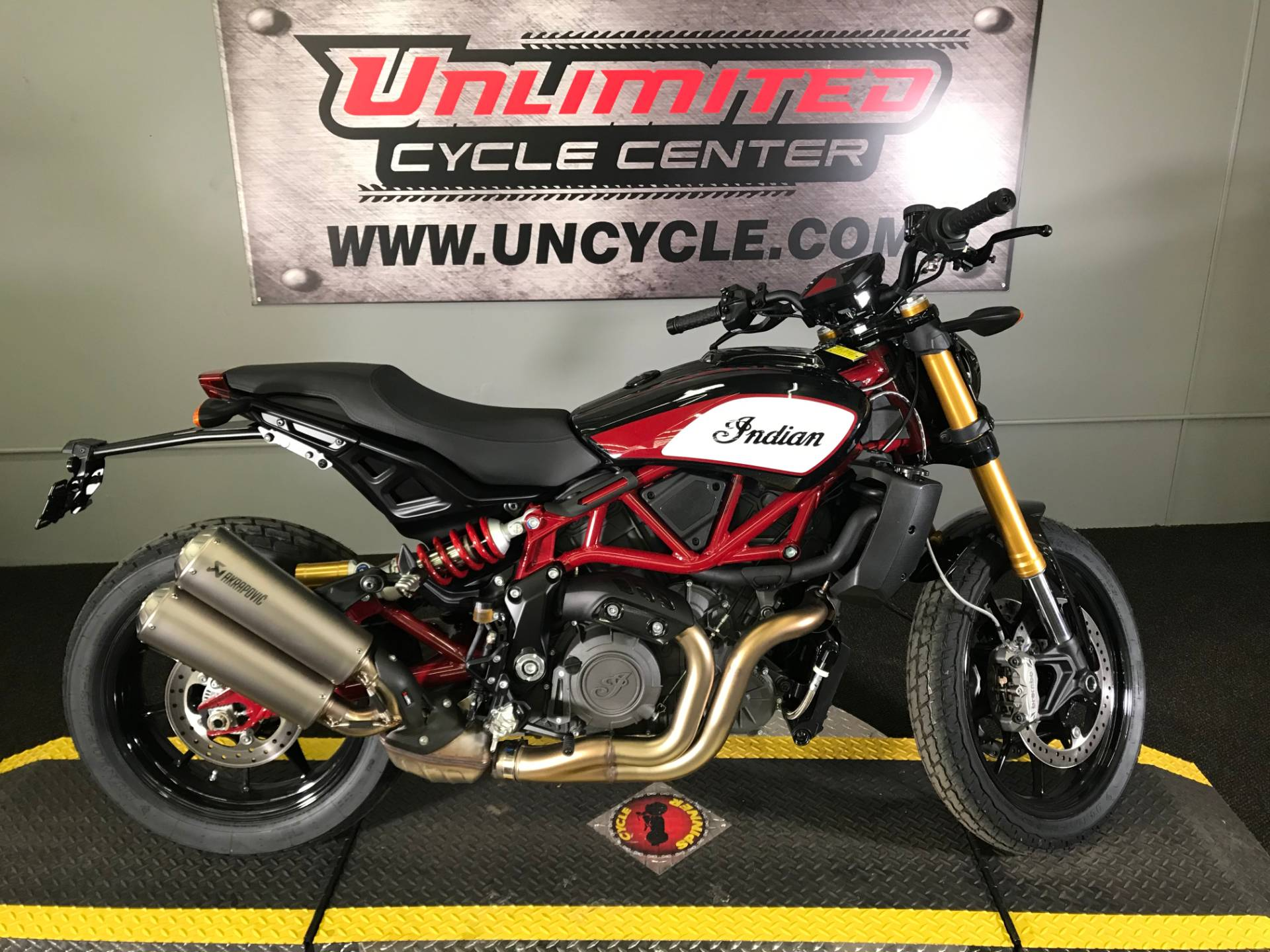 2019 Indian FTR™ 1200 S in Tyrone, Pennsylvania - Photo 2