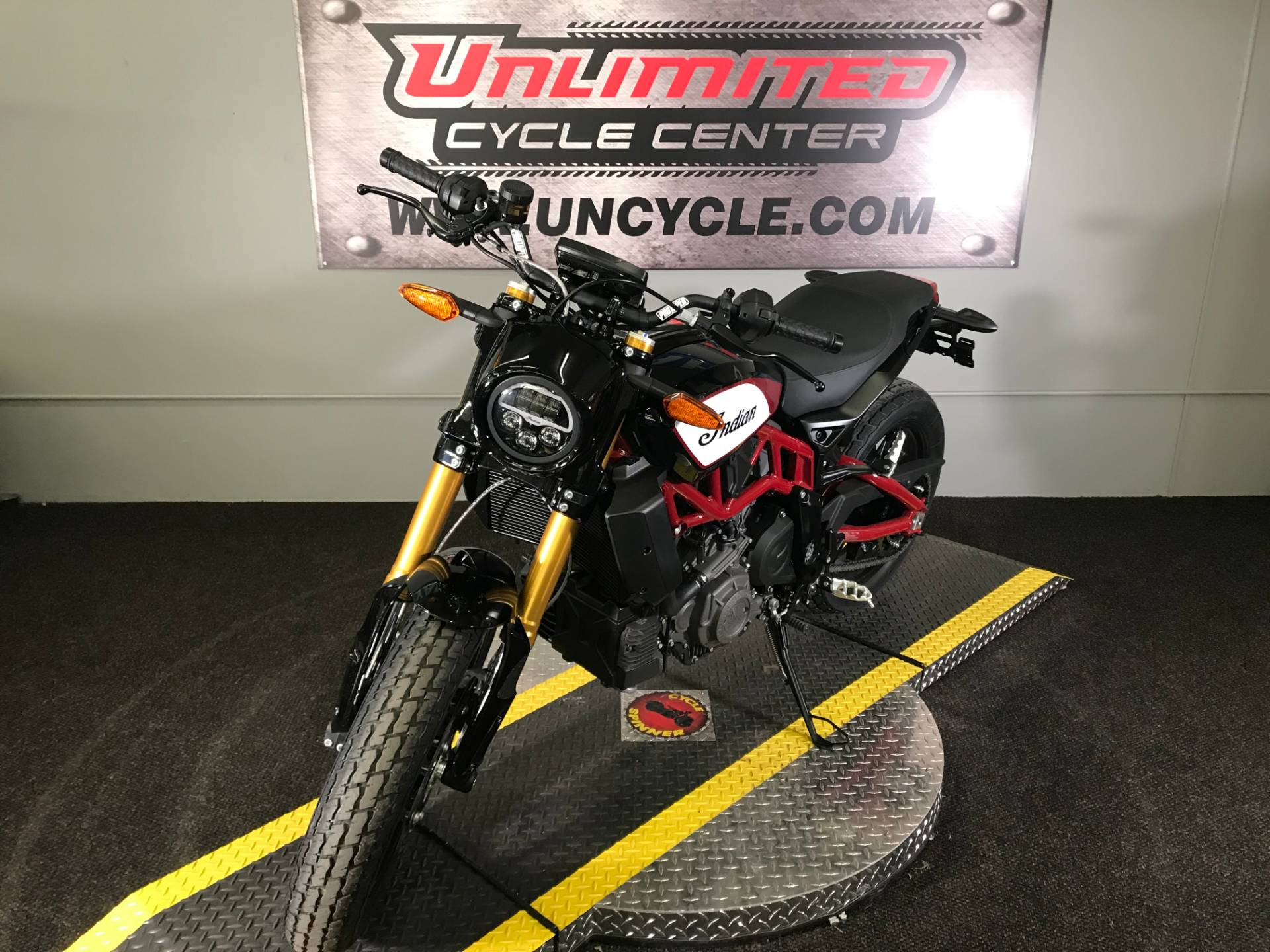 2019 Indian FTR™ 1200 S in Tyrone, Pennsylvania - Photo 6