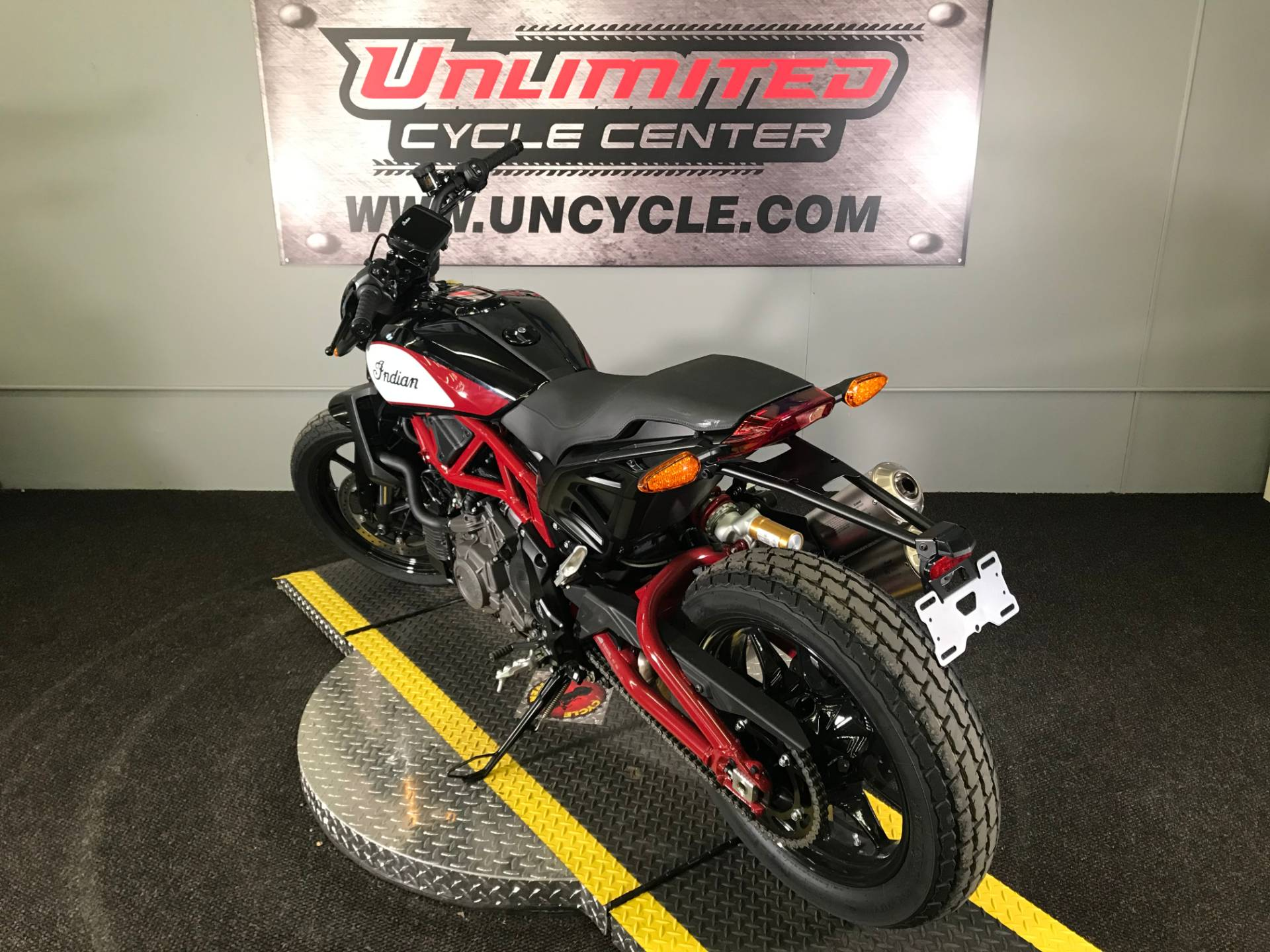 2019 Indian FTR™ 1200 S in Tyrone, Pennsylvania - Photo 9