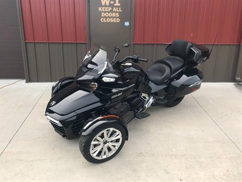 2017 Can-Am Spyder F3 Limited in Tyrone, Pennsylvania - Photo 1