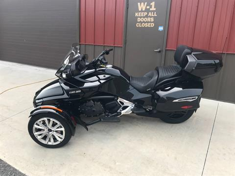 2017 Can-Am Spyder F3 Limited in Tyrone, Pennsylvania - Photo 8