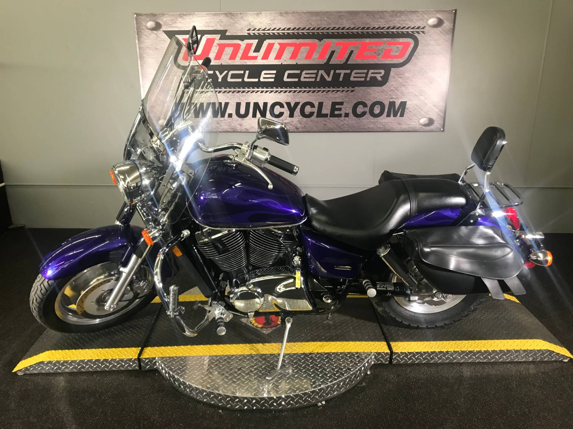 2004 Honda Shadow Sabre in Tyrone, Pennsylvania - Photo 7