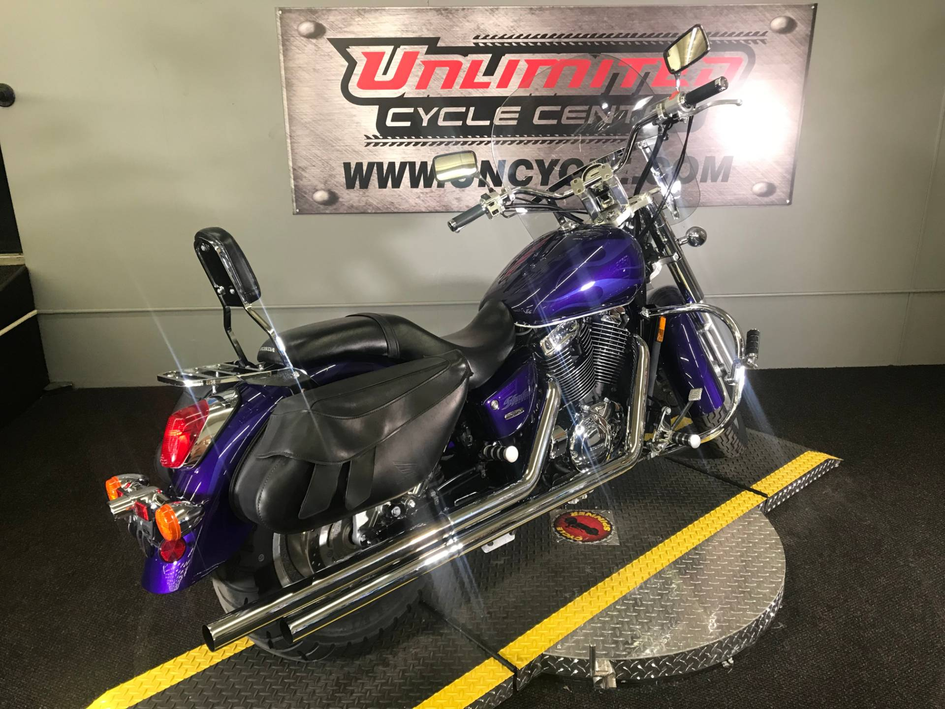 2004 Honda Shadow Sabre in Tyrone, Pennsylvania - Photo 13