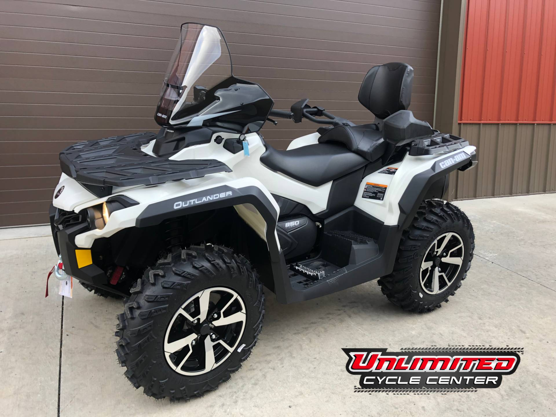 2020 Can-Am Outlander Max North Edition 850 in Tyrone, Pennsylvania - Photo 1