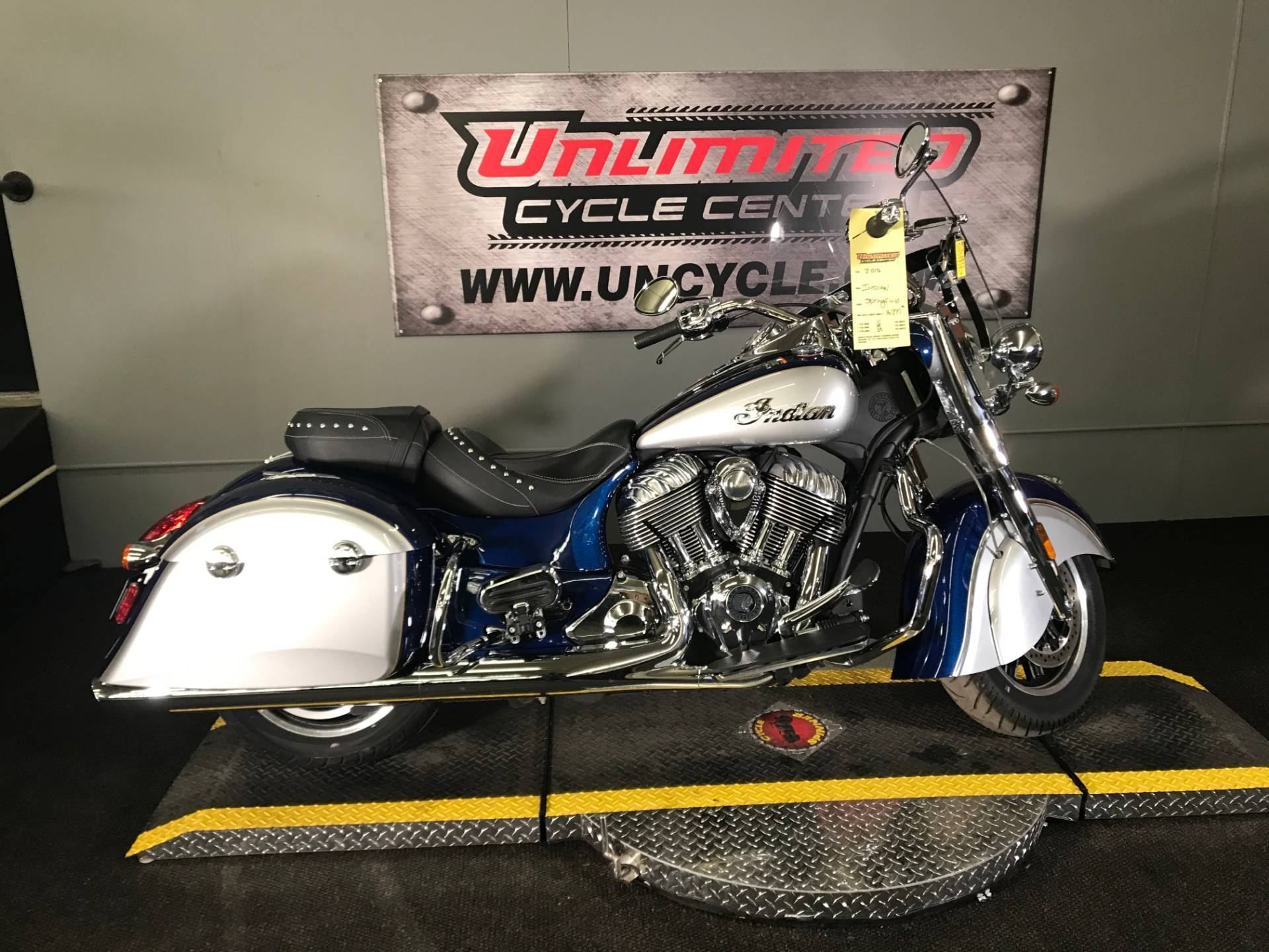 2017 Indian Springfield® in Tyrone, Pennsylvania - Photo 2