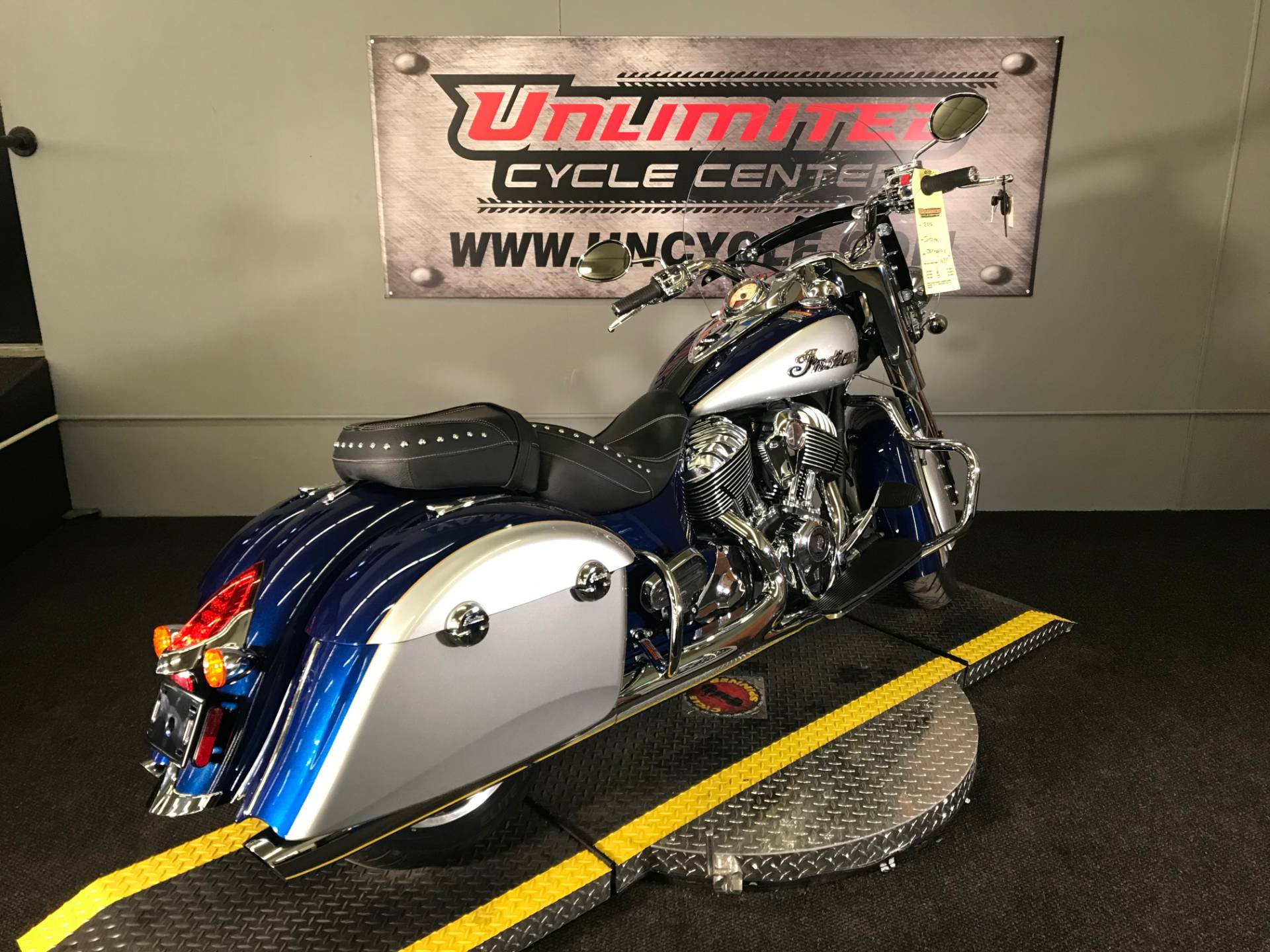 2017 Indian Springfield® in Tyrone, Pennsylvania - Photo 11