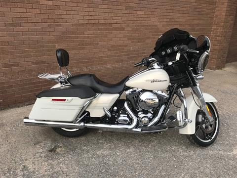 2015 Harley-Davidson Street Glide® Special in Tyrone, Pennsylvania - Photo 3