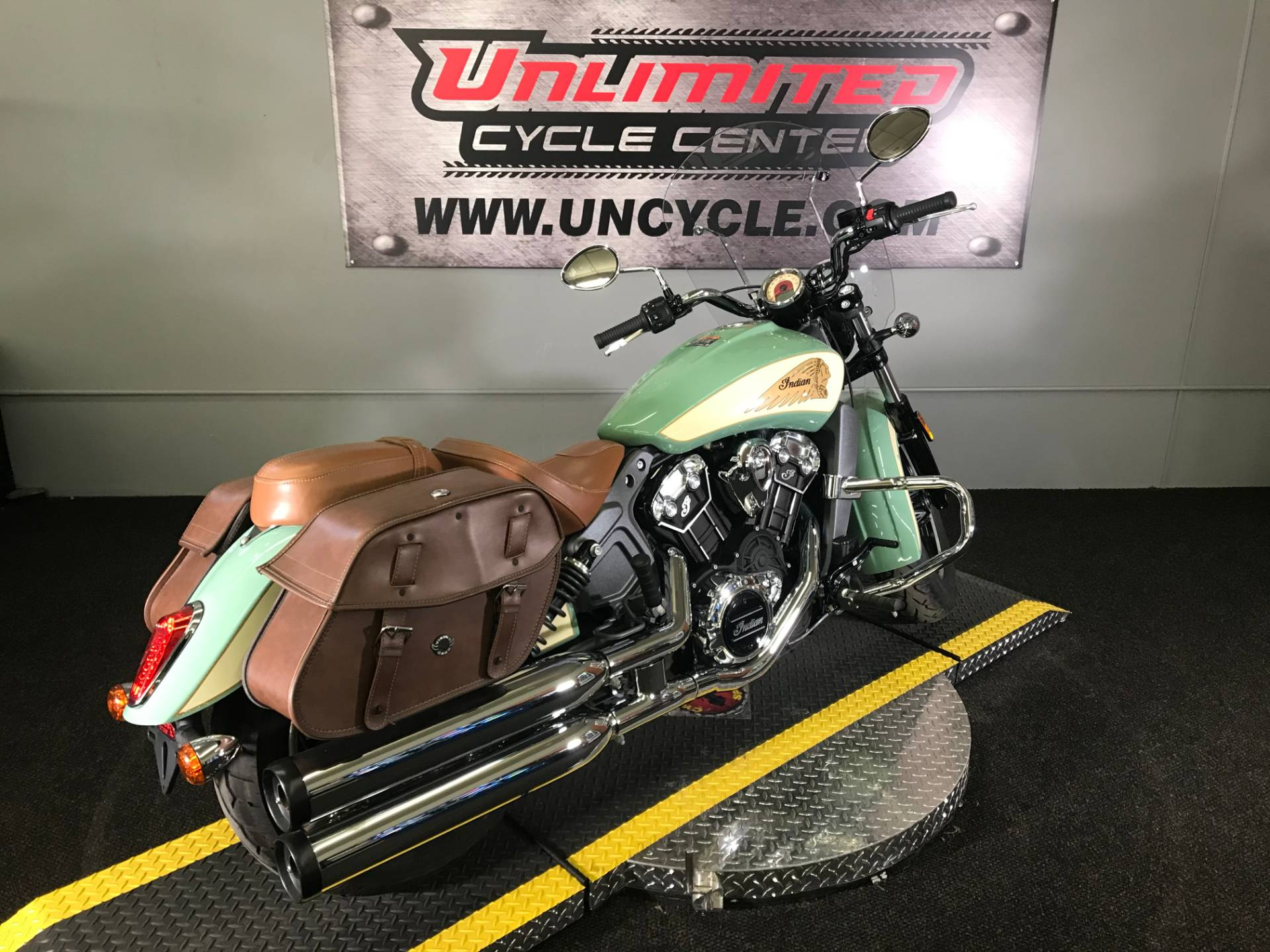 2018 Indian Scout® ABS in Tyrone, Pennsylvania - Photo 12