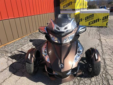 2013 Can-Am Spyder® RT Limited in Tyrone, Pennsylvania
