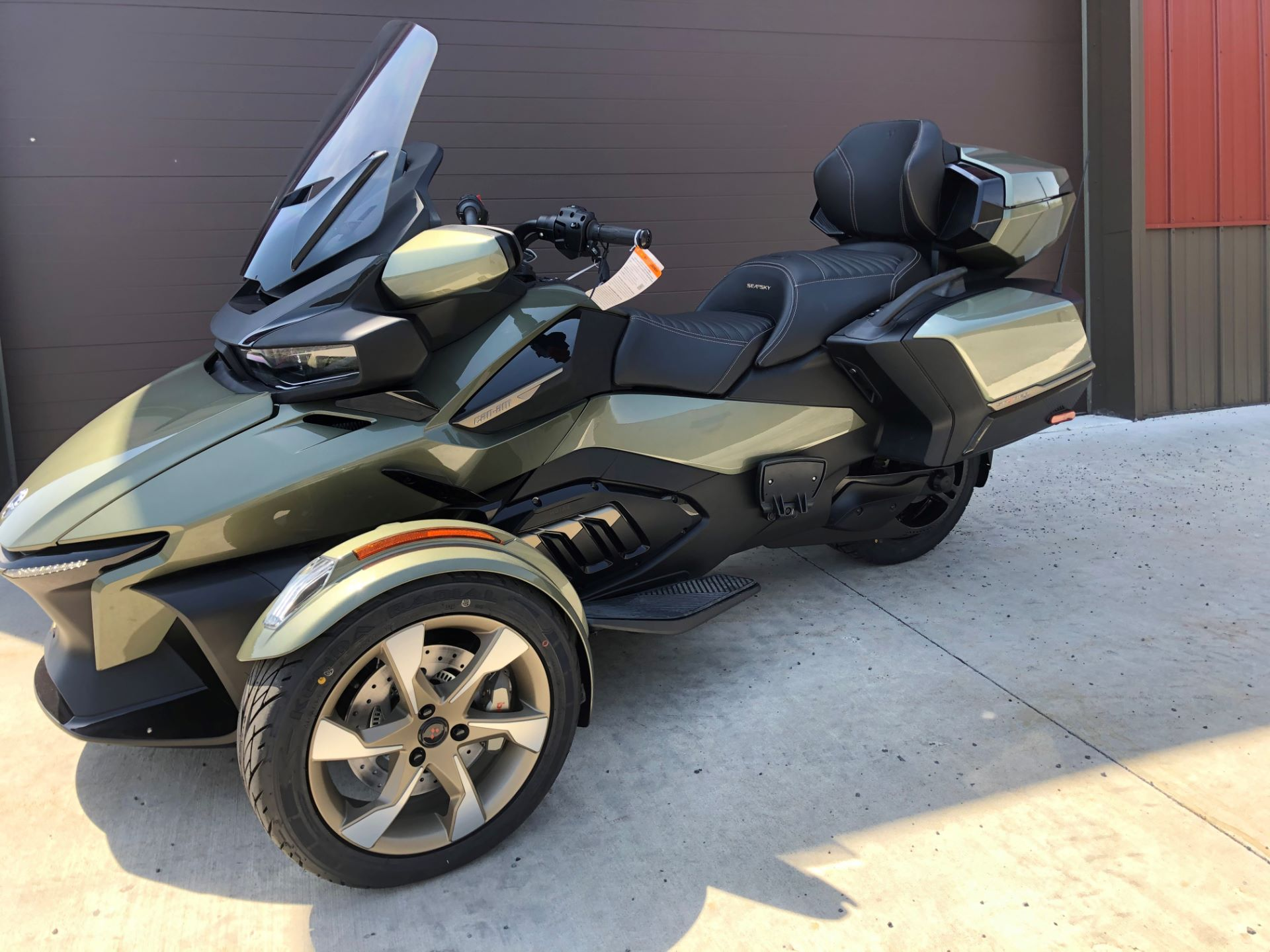 2021 Can-Am Spyder RT Sea-to-Sky in Tyrone, Pennsylvania - Photo 2