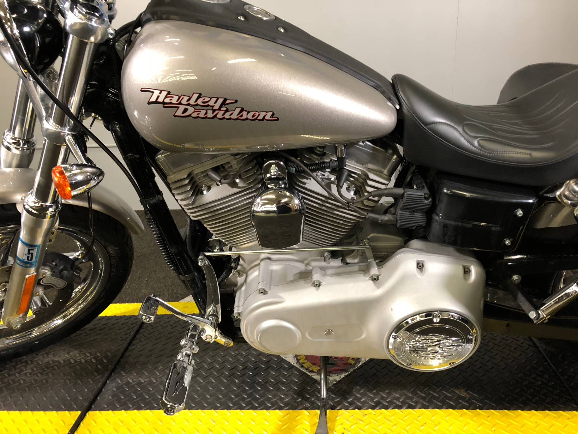 2007 Harley-Davidson Dyna® Super Glide® in Tyrone, Pennsylvania - Photo 11