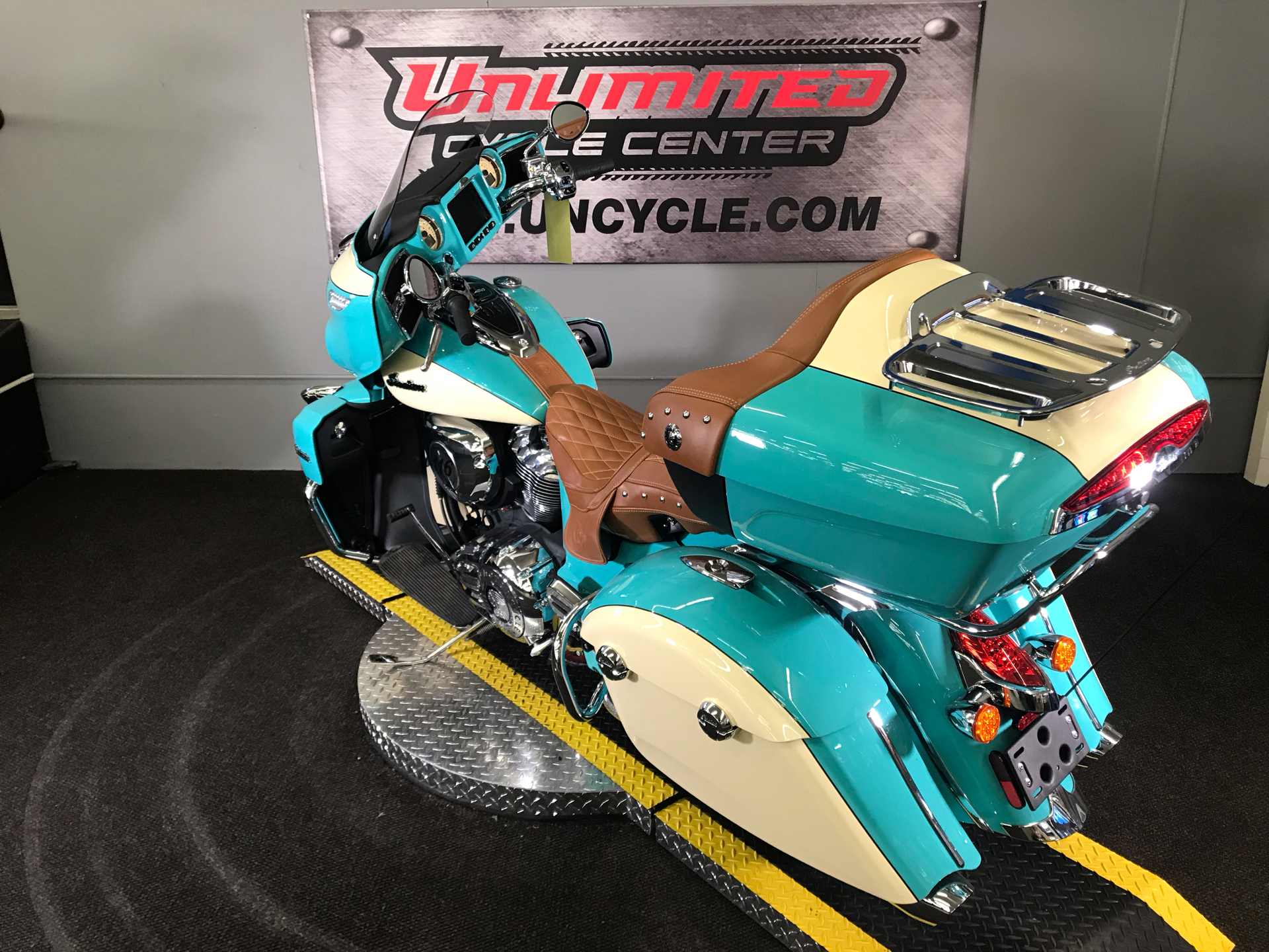 2020 Indian Roadmaster® Icon Series in Tyrone, Pennsylvania - Photo 8