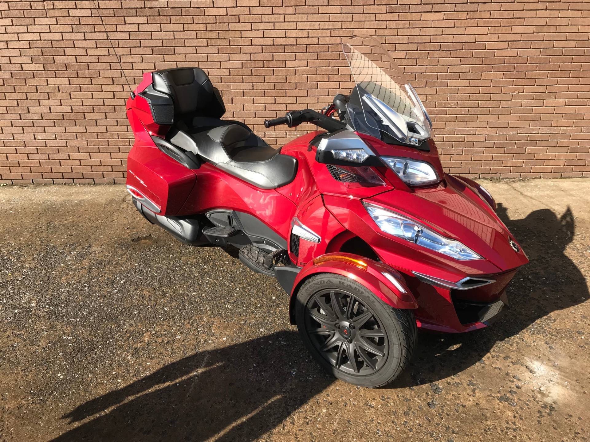 2015 Can-Am Spyder® RT-S SE6 in Tyrone, Pennsylvania