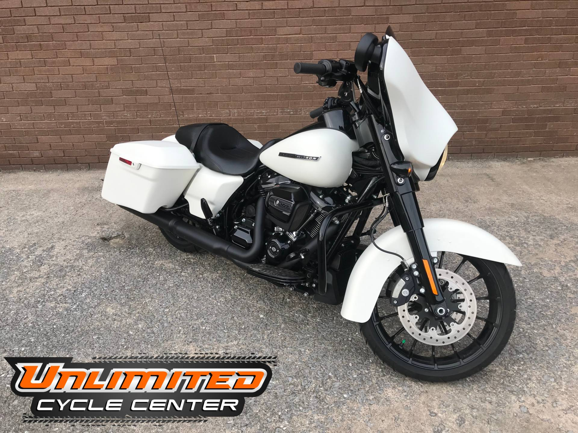 2018 Harley-Davidson Street Glide® Special in Tyrone, Pennsylvania