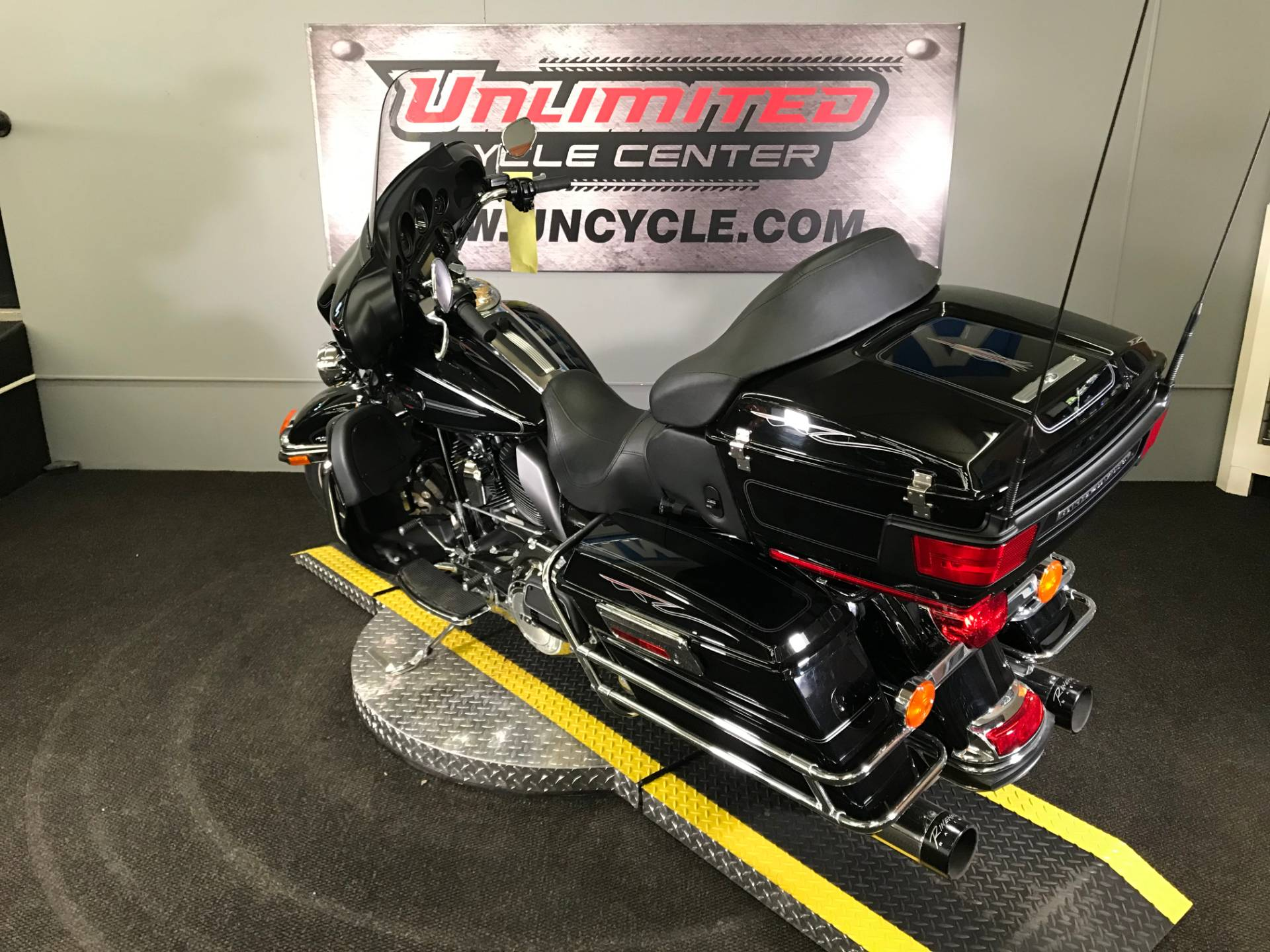 2013 Harley-Davidson Ultra Classic® Electra Glide® in Tyrone, Pennsylvania - Photo 9