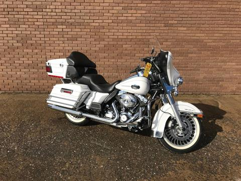 2013 Harley-Davidson Ultra Classic® Electra Glide® in Tyrone, Pennsylvania - Photo 2