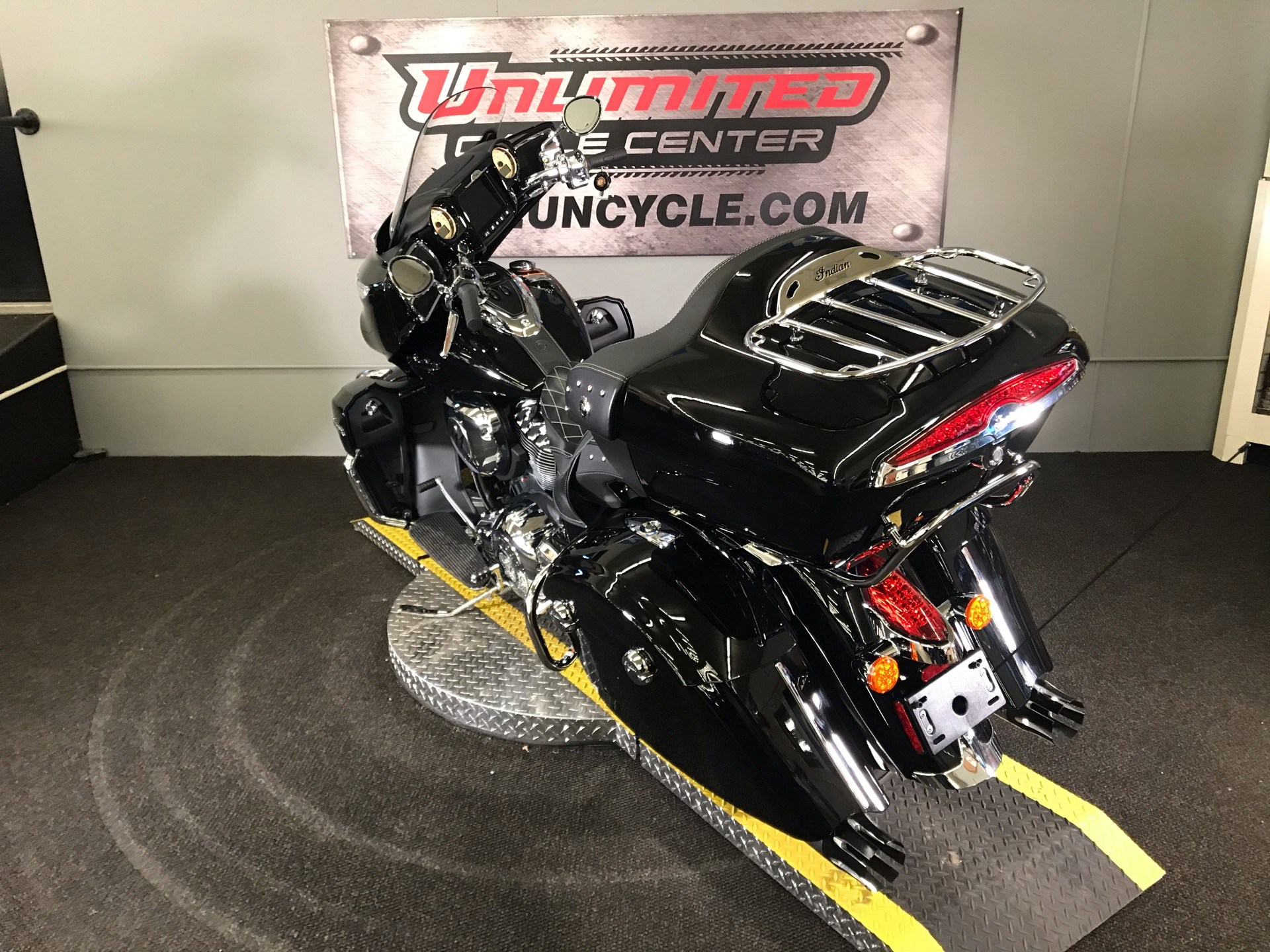 2019 Indian Roadmaster® ABS in Tyrone, Pennsylvania - Photo 9