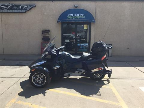 2011 Can-Am Spyder® RT-S SE5 in Florence, Colorado