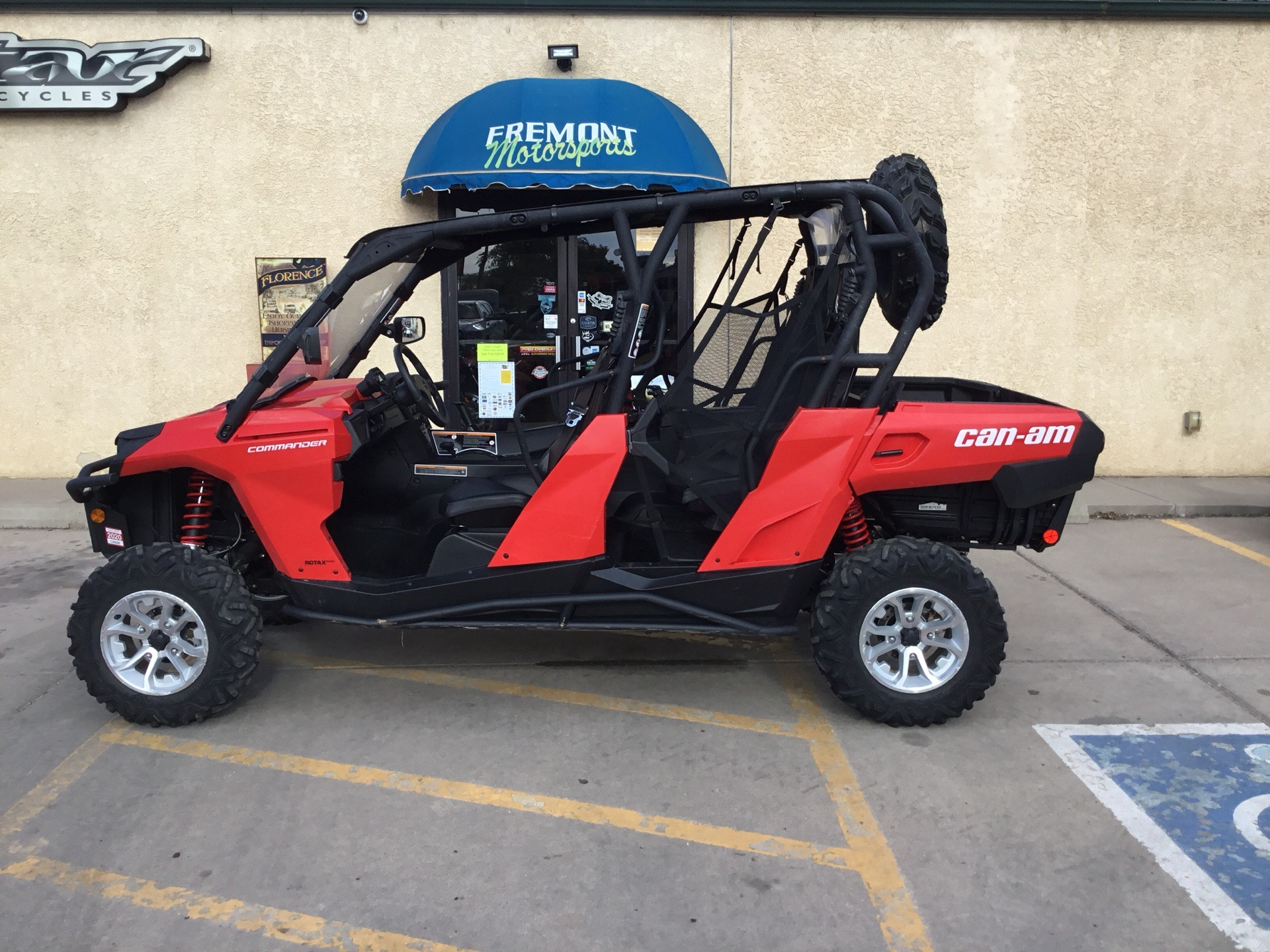 2017 Can-Am Commander MAX DPS 800R in Florence, Colorado - Photo 1