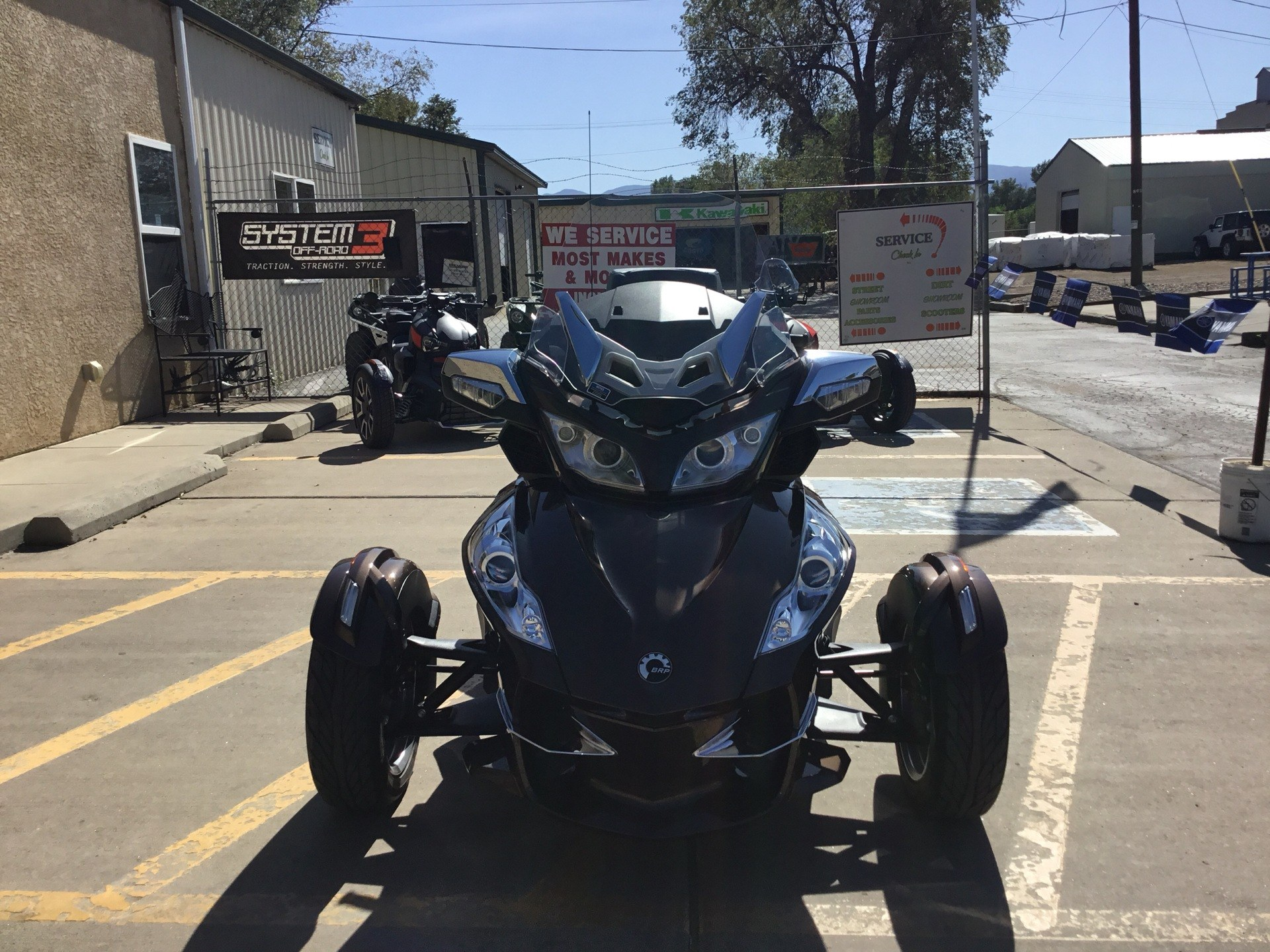 2013 Can-Am Spyder® RT Limited in Florence, Colorado - Photo 3