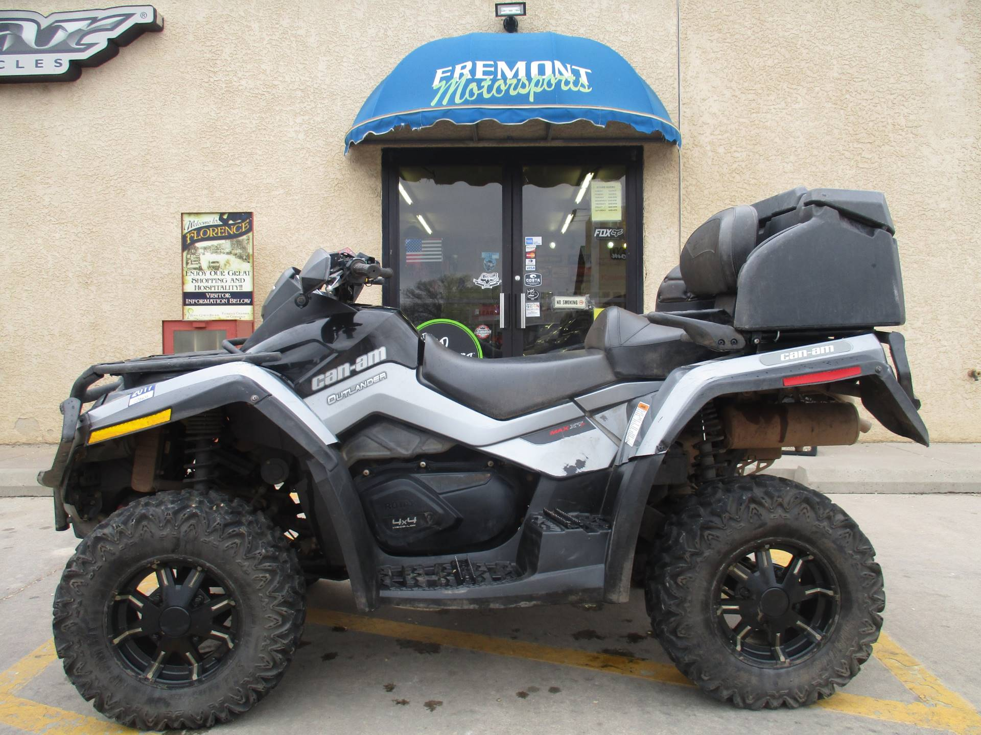 2011 Can-Am Outlander™ 800R XT-P in Florence, Colorado