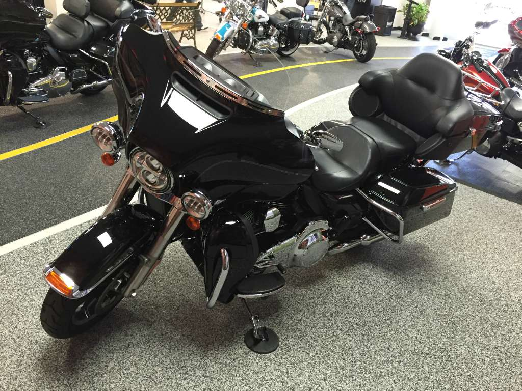 2015 Harley-Davidson Electra Glide® Ultra Classic® Low in Knoxville, Tennessee