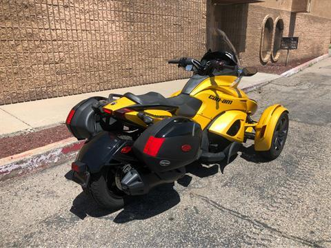 2013 Can-Am Spyder® ST-S SE5 in Albuquerque, New Mexico - Photo 2