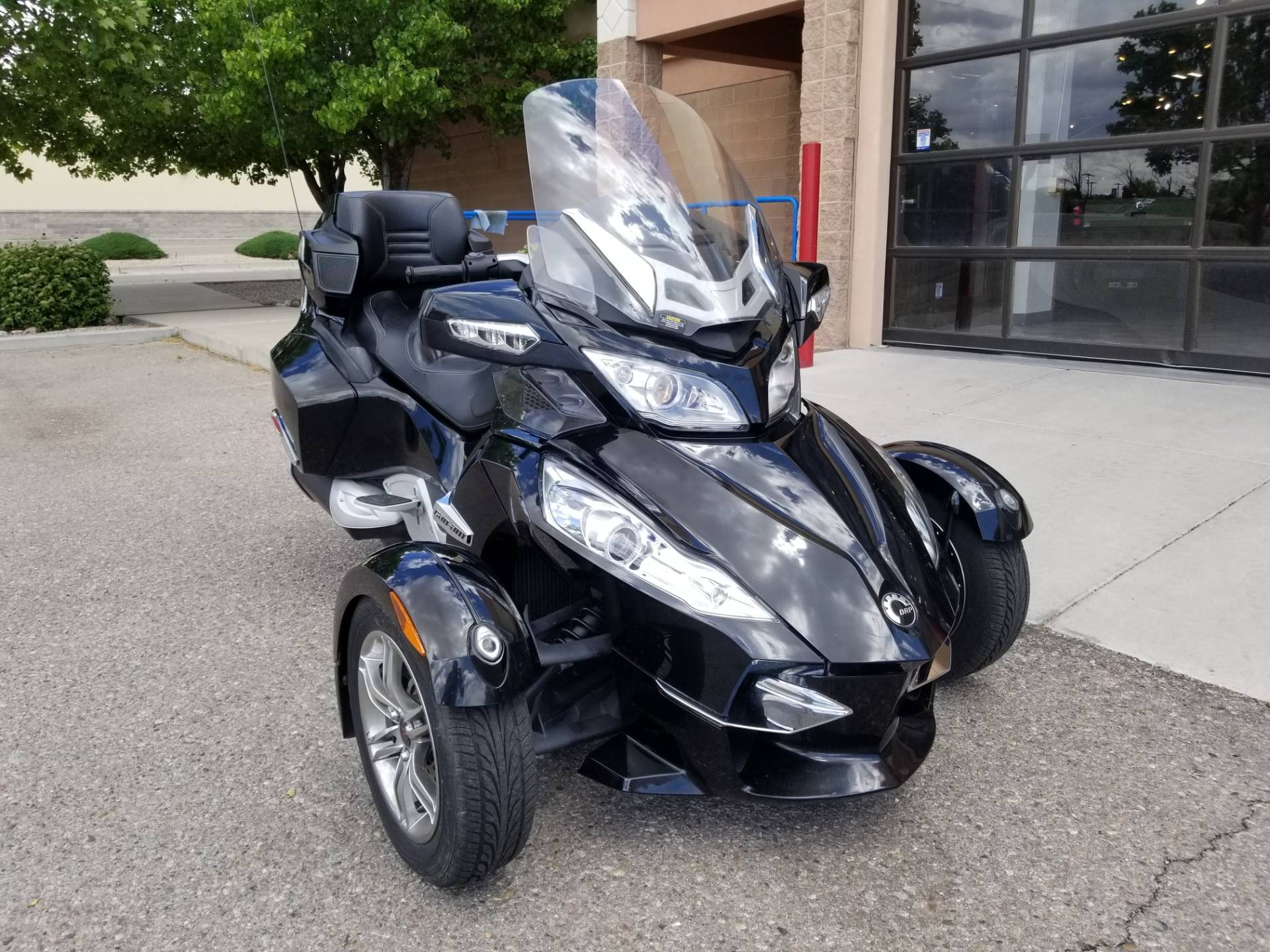 2010 Can-Am Spyder™ RT-S SE5 in Albuquerque, New Mexico - Photo 5