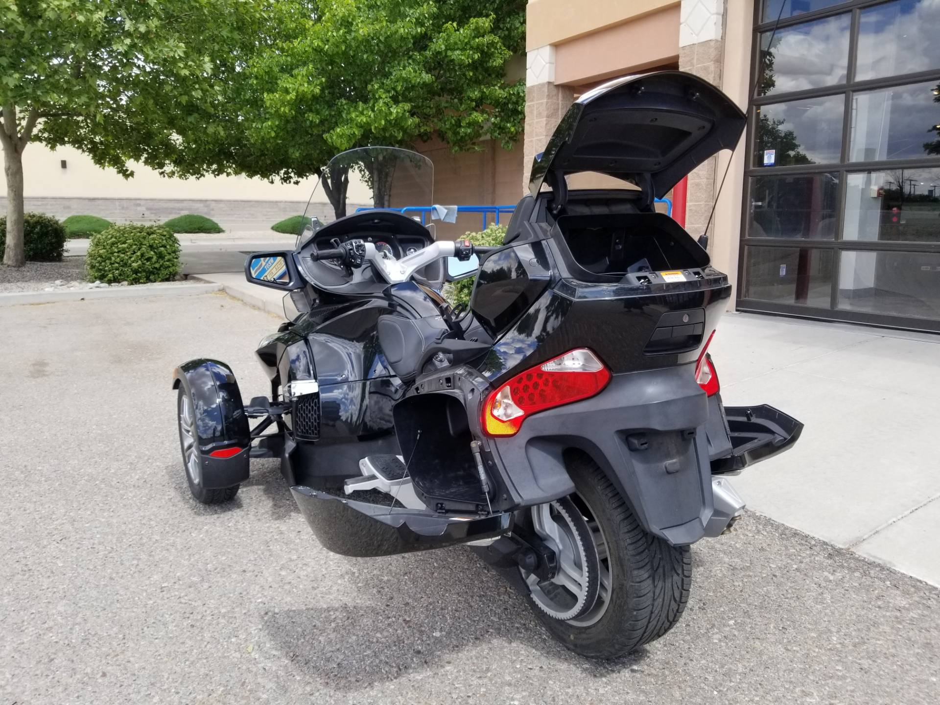 2010 Can-Am Spyder™ RT-S SE5 in Albuquerque, New Mexico - Photo 10