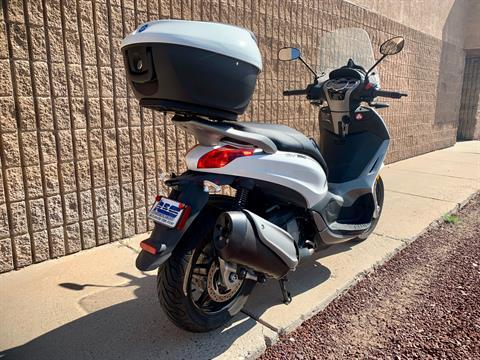 2016 Piaggio BV 350 i.e. ABS in Albuquerque, New Mexico - Photo 3