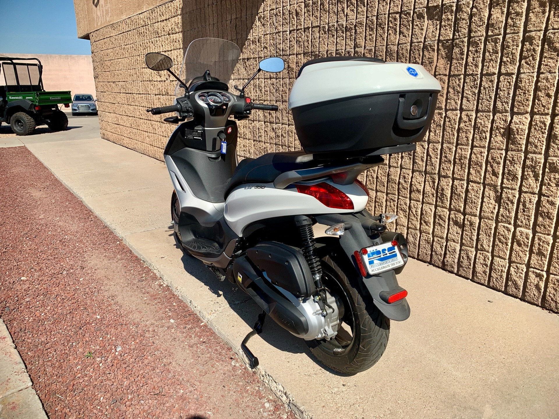 2016 Piaggio BV 350 i.e. ABS in Albuquerque, New Mexico - Photo 6