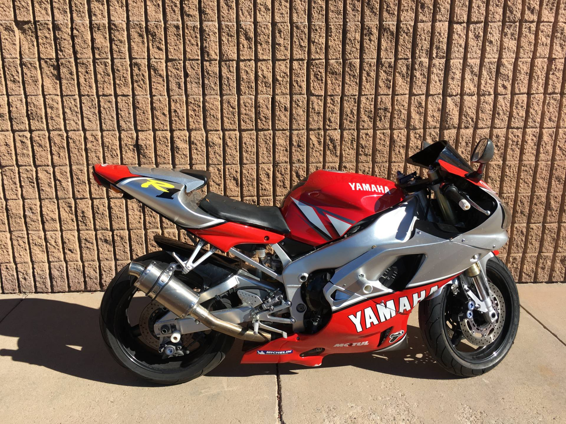2001 Yamaha YZFR1 4
