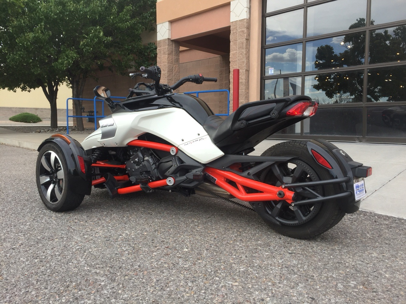2015 Can-Am Spyder® F3 SM6 in Albuquerque, New Mexico - Photo 2