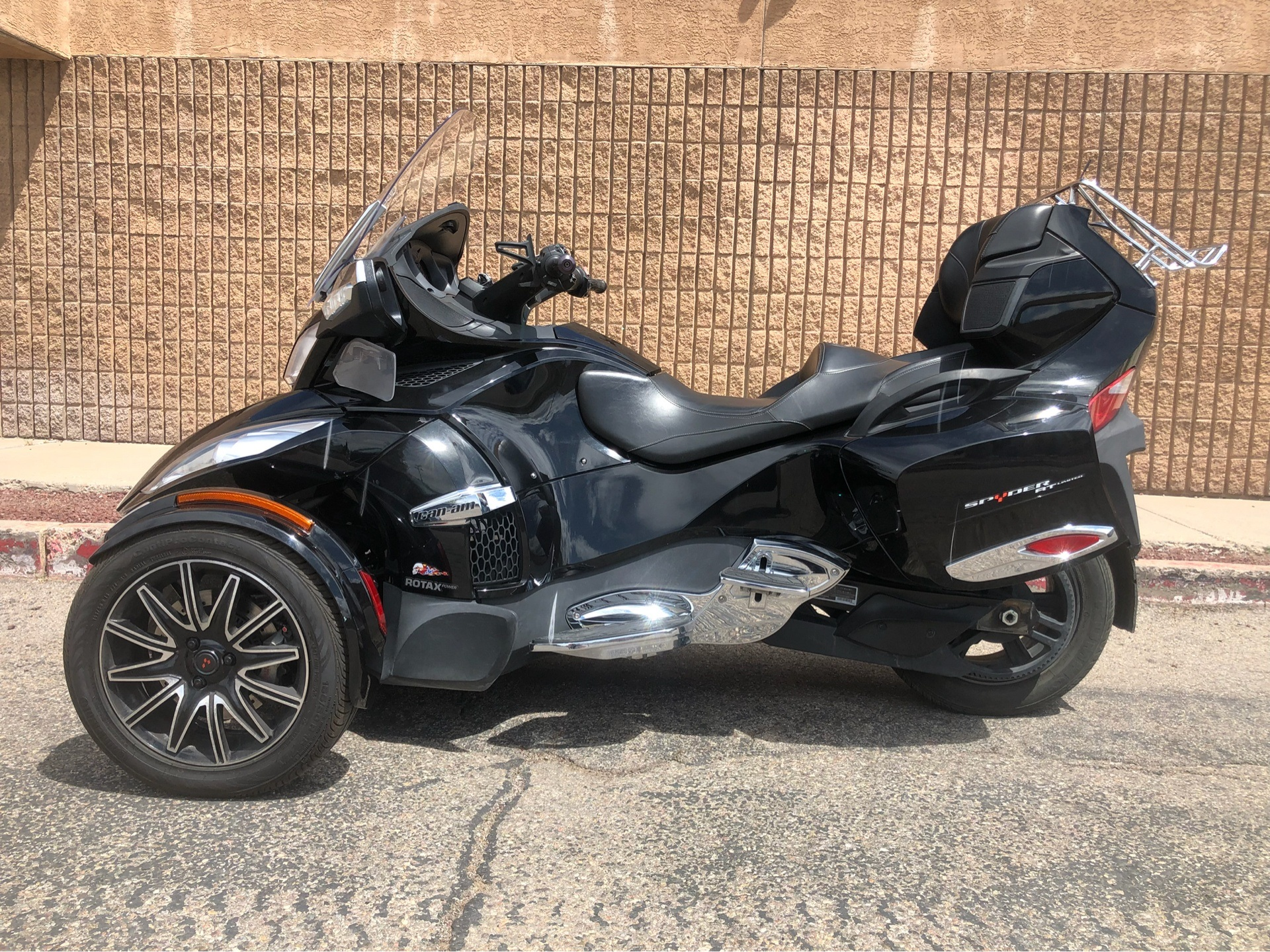 2015 Can-Am Spyder® RT Limited in Albuquerque, New Mexico - Photo 3