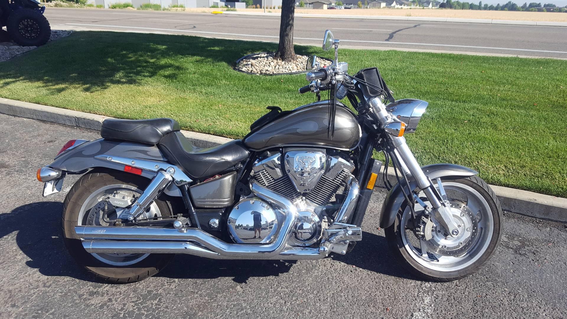 2004 VTX1800C