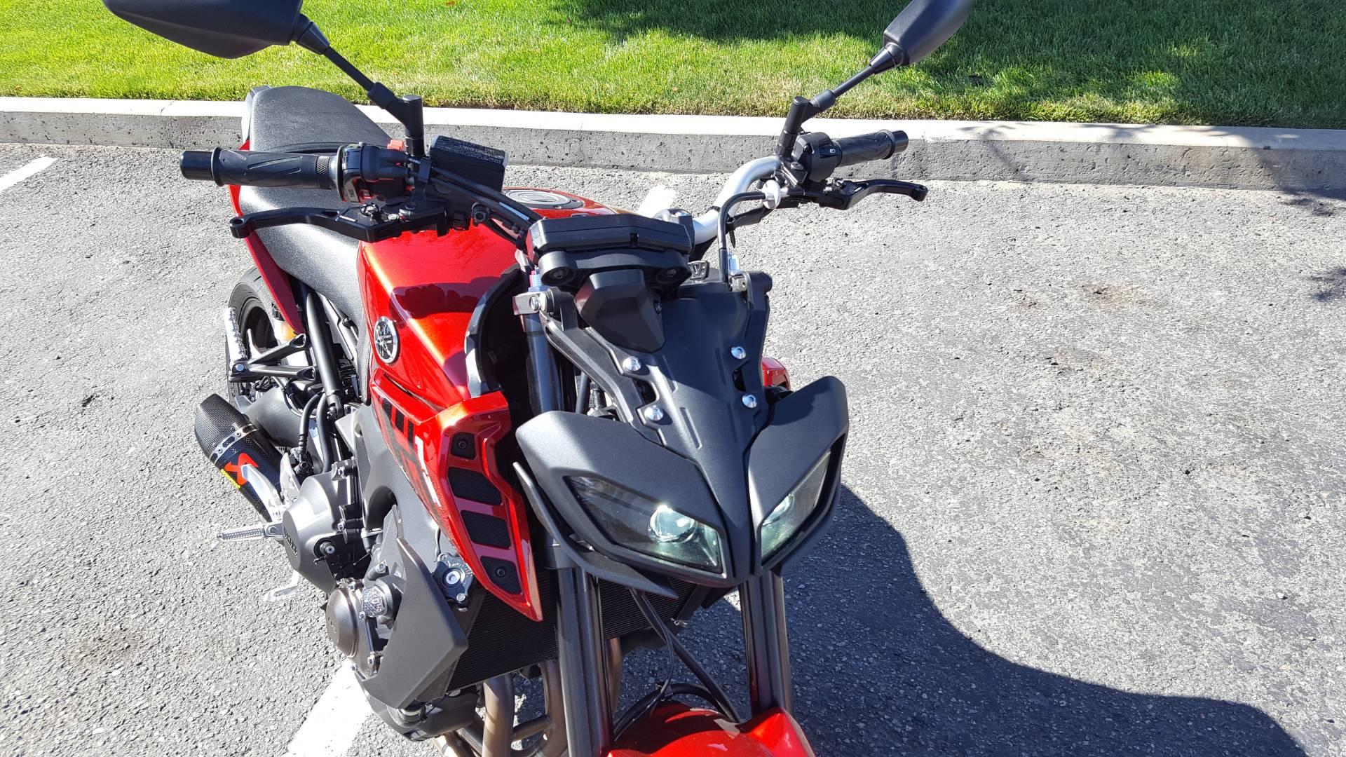 2017 Yamaha FZ-09 3